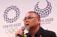 作品が東京五輪・パラリンピックのエンブレムに決まった野老朝雄さん=東京都港区
