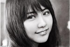 写真を超えた鉛筆画、ぺン1本で描く女優た...