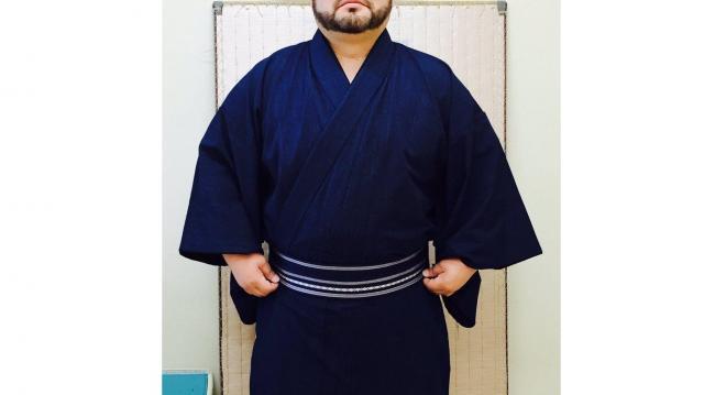 着物姿の髭男爵の山田さん