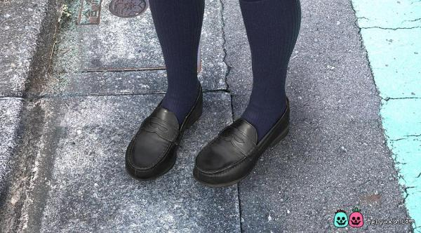 靴やソックスも実写のように精巧に描かれている=TELYUKA提供