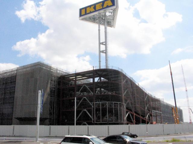 2005年9月、建設中のイケア船橋店(当時)