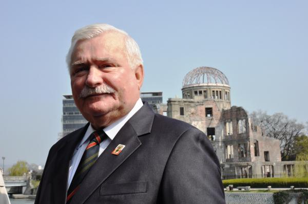 2014年、広島に来た元ポーランド大統領のワレサ氏は連帯を呼びかけた。「広島は私にとっても特別なところ。二度と同じことが起こらないためにできることをやっていきたい」