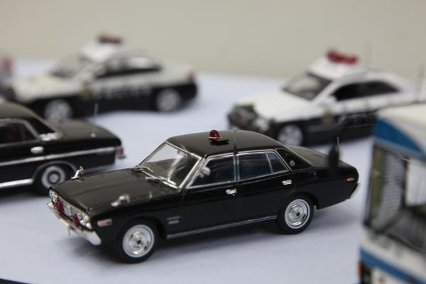 車両の赤色灯や、赤色灯を収める際のふた部分などは手作りだ