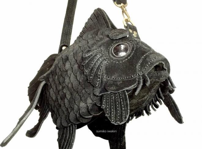 岩切澄子さんが一人で手作りした金魚バッグ