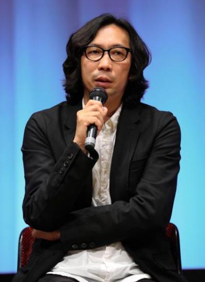 映画「うつくしいひと」のトークショーで話す行定勲監督=5月17日午後、東京・有楽町、林敏行撮影