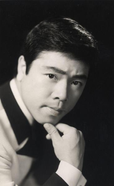 デビュー当時の冠二郎さん