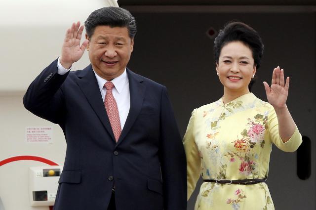 2015年11月5日、中国で「習大大、彭麻麻」というニックネームを持つ習近平夫婦。