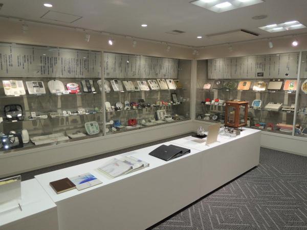歴代の製品などが展示された部屋