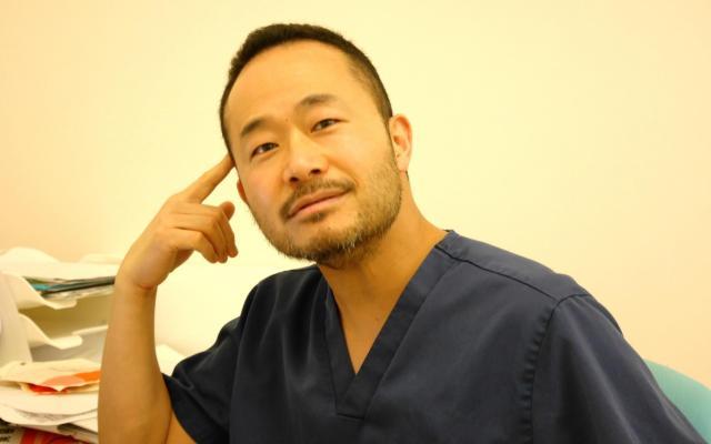 六本木境クリニックの境隆博院長=東京・六本木