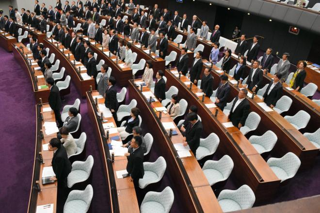 共産外し」ネット上で大騒ぎ 神奈川県議会に何が起きた?