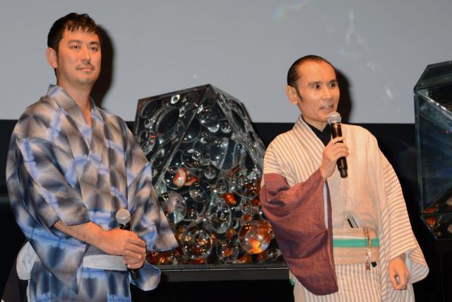 片岡鶴太郎さん(右)は、木村英智さん(左)の出身高校の先輩