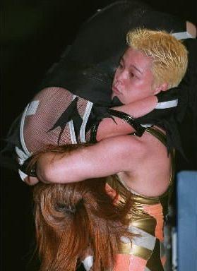 柔道から女子プロに転向した神取忍さん=2000年8月19日