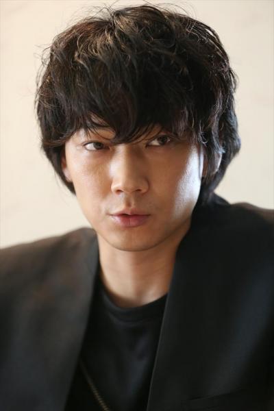 「仮面ライダー555」に出演した綾野剛さん