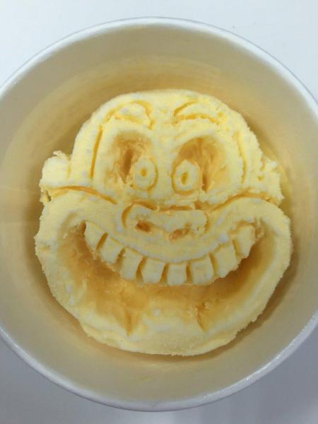 これが話題のアイスクリーム彫刻