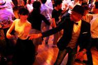 改正風営法の施行を記念したパーティー=6月23日、東京・六本木