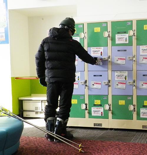 スキー場所での「サービスドア」利用例