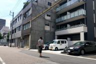 かつてコメダ珈琲店菊井店があった場所には、マンションが立つ=名古屋市西区那古野2丁目