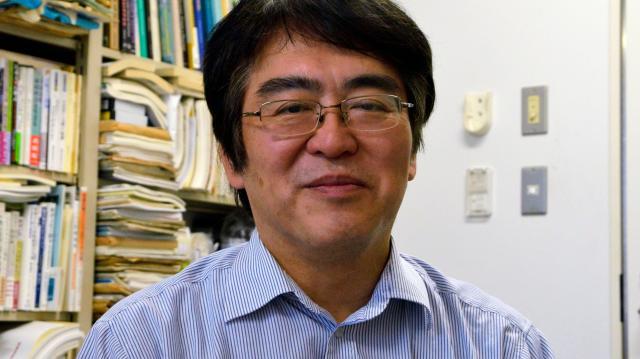 「高度成長期の発想、モデルをいまだに引きずっている」と指摘する京大教授の広井良典さん