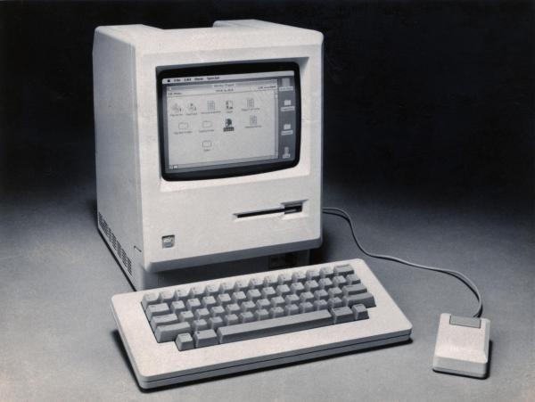 アップルが1984年に発表した「マッキントッシュ」=1984年1月