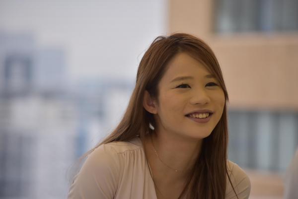 インタビューに答える鈴木涼美さん=6月28日、東京・築地、奥山晶二郎撮影