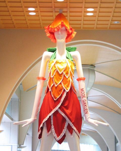2010年、名鉄百貨店×名古屋モード学園 チューリップナナちゃん
