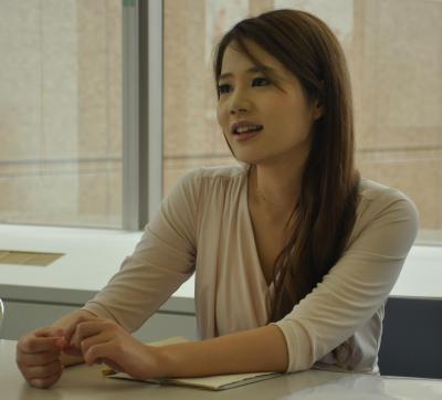 鈴木涼美さん。文筆家。元日経新聞記者で元セクシー女優=6月28日、東京・築地、奥山晶二郎撮影