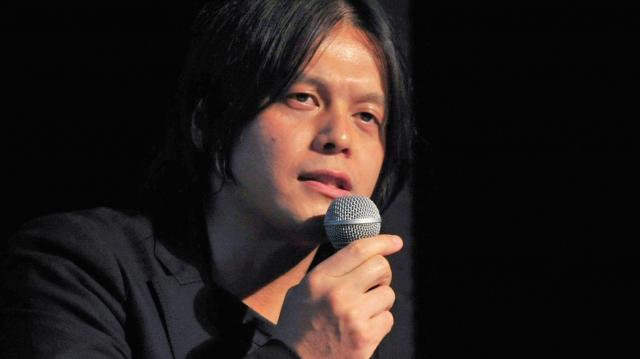 「未来メディアカフェ」で発言する斎藤貴弘弁護士=6月21日、東京・渋谷のクラブ、天田充佳撮影