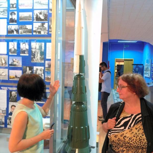 旧ソ連の開発した月探査用ロケット「N-1」の模型。試験打ち上げはすべて失敗した=バイコヌール市歴史博物館