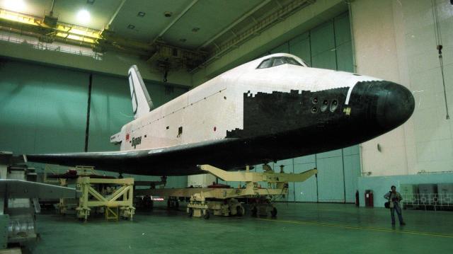 「悲しい歴史」を背負う旧ソ連版スペースシャトル「ブラン」=1997年、バイコヌール宇宙基地