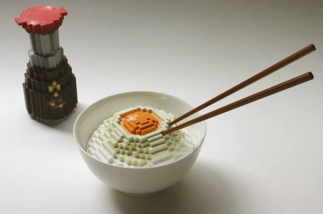 しょうゆ差し、卵かけご飯をドット絵風の陶芸で表現した作品