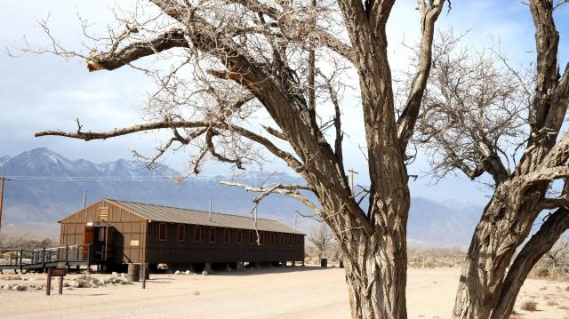 カリフォルニア・マンザナールの強制収容所跡=2014年12月11日