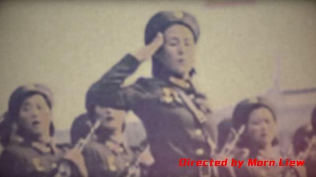 ビデオに挿入された女性の兵士の映像