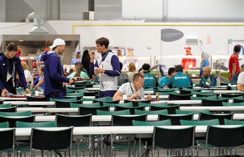 選手村内にある巨大な食堂=2016年8月2日、ブラジル・リオデジャネイロ、西畑志朗撮影