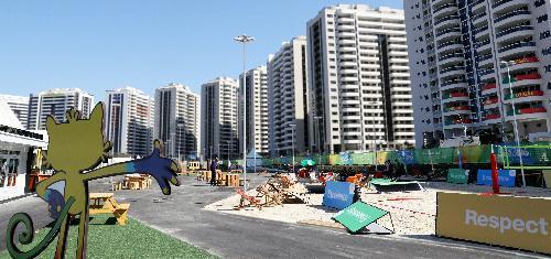 近代的なマンション形式の建物が立ち並ぶ選手村=ブラジル・リオデジャネイロ、西畑志朗撮影