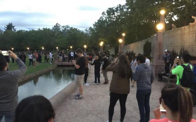 Pokemon Goのプレイヤーが集まる公園