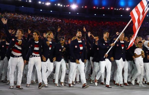 米国選手団の開閉開式用ユニホームはポロ・ラルフローレンによるもの=ロイター