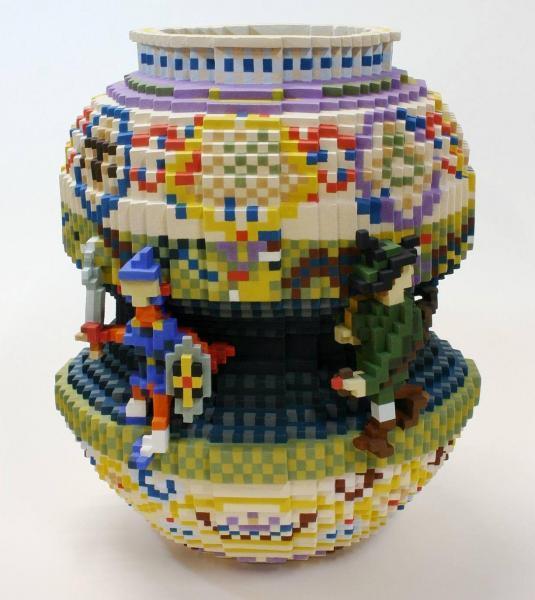 身の回りの世界をドットで立体化! デジタル陶芸家の胸熱作品=Low pixel CG「オマージュ・勇者ニモンスター花瓶」 2014 陶土・アクリルボックス 40×40×40(cm)