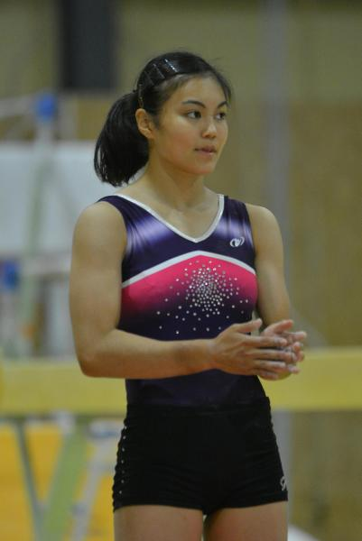 リオ五輪閉会式の映像では、制服姿で登場した体操の土橋ココ選手(16)。渋谷のスクランブル交差点でダイナミックな演技を披露した=名古屋市西区