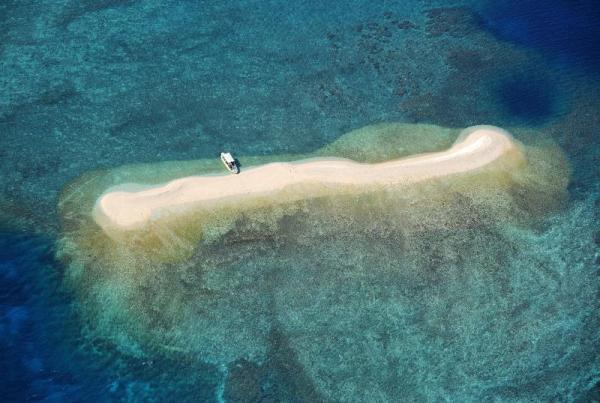 鳩間島―西表島間にあるバラス島