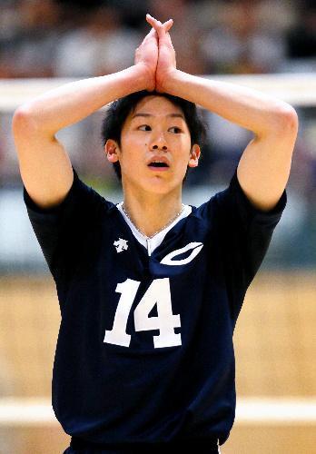 喜びももどかしさも全身で表現する石川祐希選手=2015年12月3日