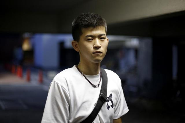 専門学校でスポーツトレーナーを目指す山賀悠気さん。「僕の1票で何か変わるのかなって思うけど、全員そう思ったらまずいので」=6月23日、東京都葛飾区