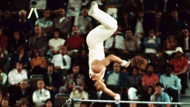 ミュンヘン五輪で塚原さんが決めた月面宙返り