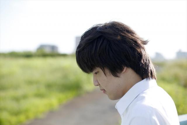中川の土手で、荒井修哉さんの写真を撮影した