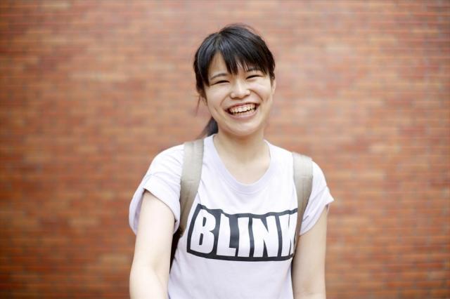国際関係を学ぶため、中国・北京大に留学する林貞子さん。初めての投票を終え「うれしいです。権利があるのに行使しないのはもったいない」=6月25日