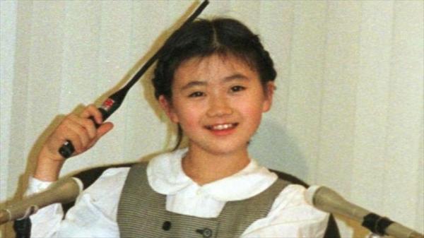 【1999年3月】当時、10歳。プロ転向の記者会見に臨んだ卓球の福原愛選手