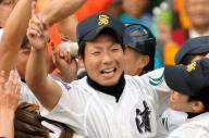 2009年4月2日、第81回選抜高校野球で優勝を決めて喜ぶ今村