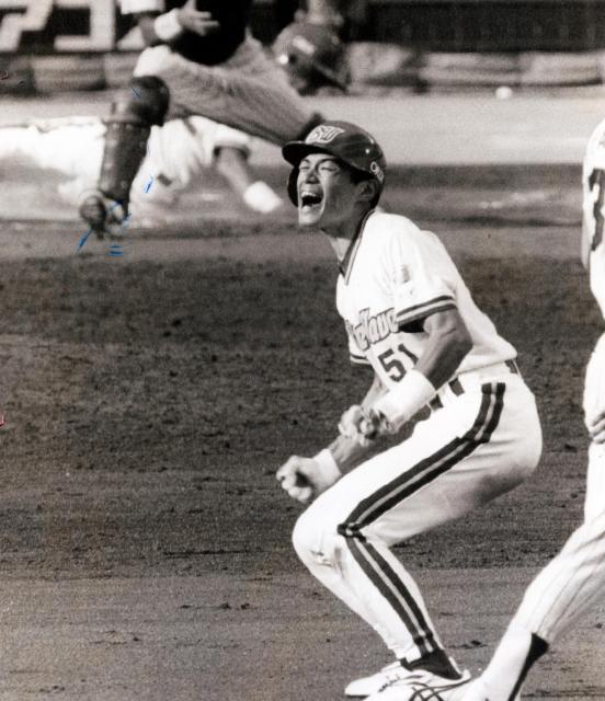 1996年、リーグ優勝を決めるサヨナラ二塁打を放ったオリックスのイチロー。オリックスでプレーしたのは2000年まで。01年から大リーグへ羽ばたいた。