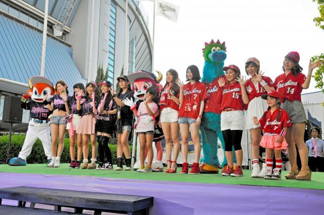 5月29日に京セラドームであったオリックス―広島戦で、両球団の女性ファン「オリ姫」と「カープ女子」がファッション対決で盛り上がった。