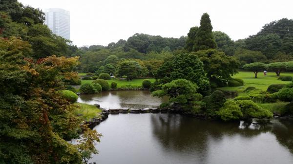 「言の葉の庭」の舞台のモデルになった、新宿御苑の風景