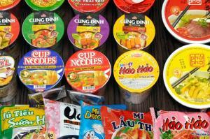 """ベトナム、驚きの「インスタント麺大国」 人気は""""かやくマシマシ"""""""